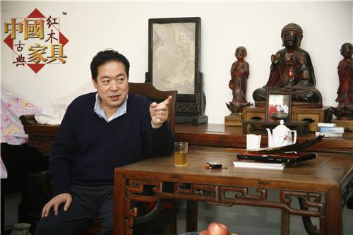 1讲起明式家具,张德祥先生总是兴致勃勃