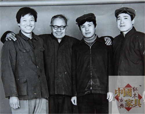 8张德祥先生(右一)与王世襄先生(左二)旧照_看图王