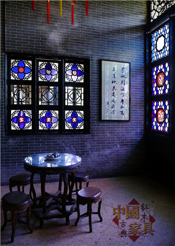 15广州清代古迹余荫山房里的花窗,广味浓郁。(朱方刚 摄影)