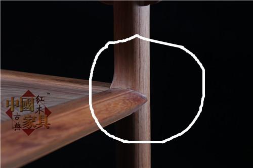 16、在腿部与屉板相交处,腿子被处理成外圆内方_副本_副本