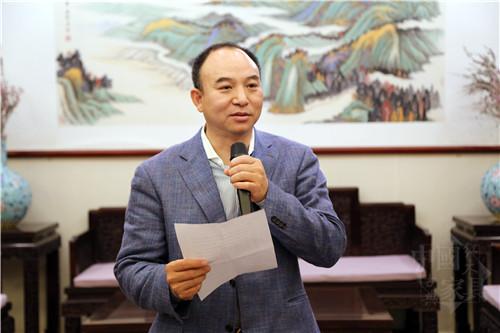 07、中国宫廷家具研究会执行主席袁剑君致欢迎辞_副本