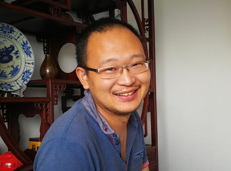 1、金启元专攻设计的青年才俊张斌_看图王
